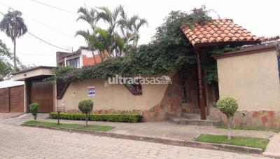 Casa en Venta en Santa Cruz de la Sierra 2do Anillo Oeste C/ DECHIA Nº 57 BARRIO URBARI