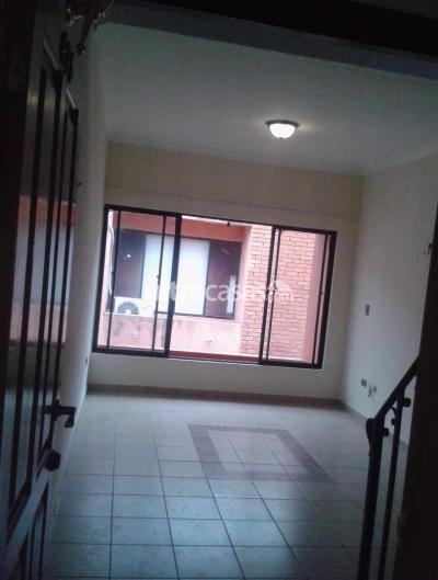 Departamento en Alquiler en Santa Cruz de la Sierra 1er Anillo Este Calle Charcas No.1235