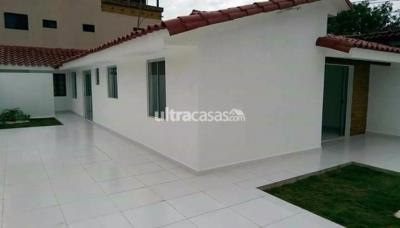 Casa en Venta en Santa Cruz de la Sierra 4to Anillo Sur Urbanización Las Palmeras
