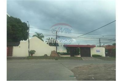 Casa en Venta en Santa Cruz de la Sierra 2do Anillo Oeste av roca y coronado 3er y 4to anillo