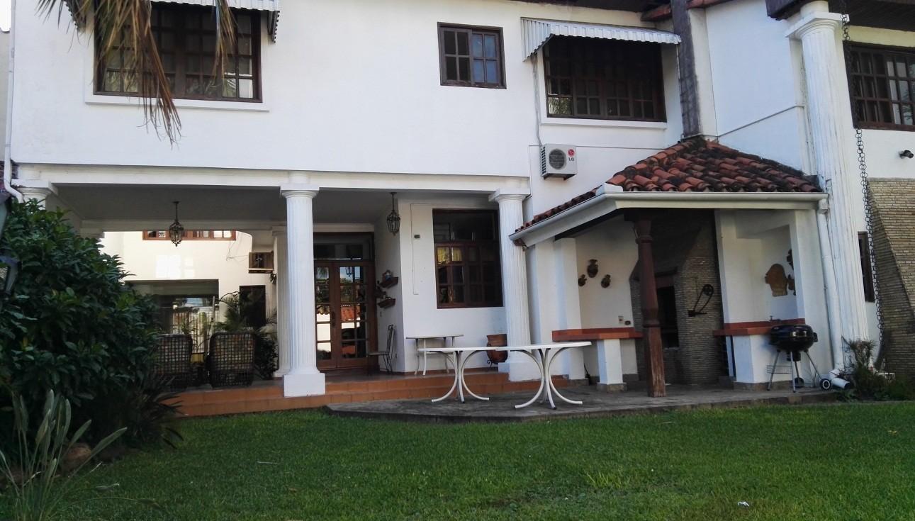 Casa en Venta ZONA SUR - SOBRE SOBRE SEGUNDO ANILLO PARQUE URBANO Foto 3