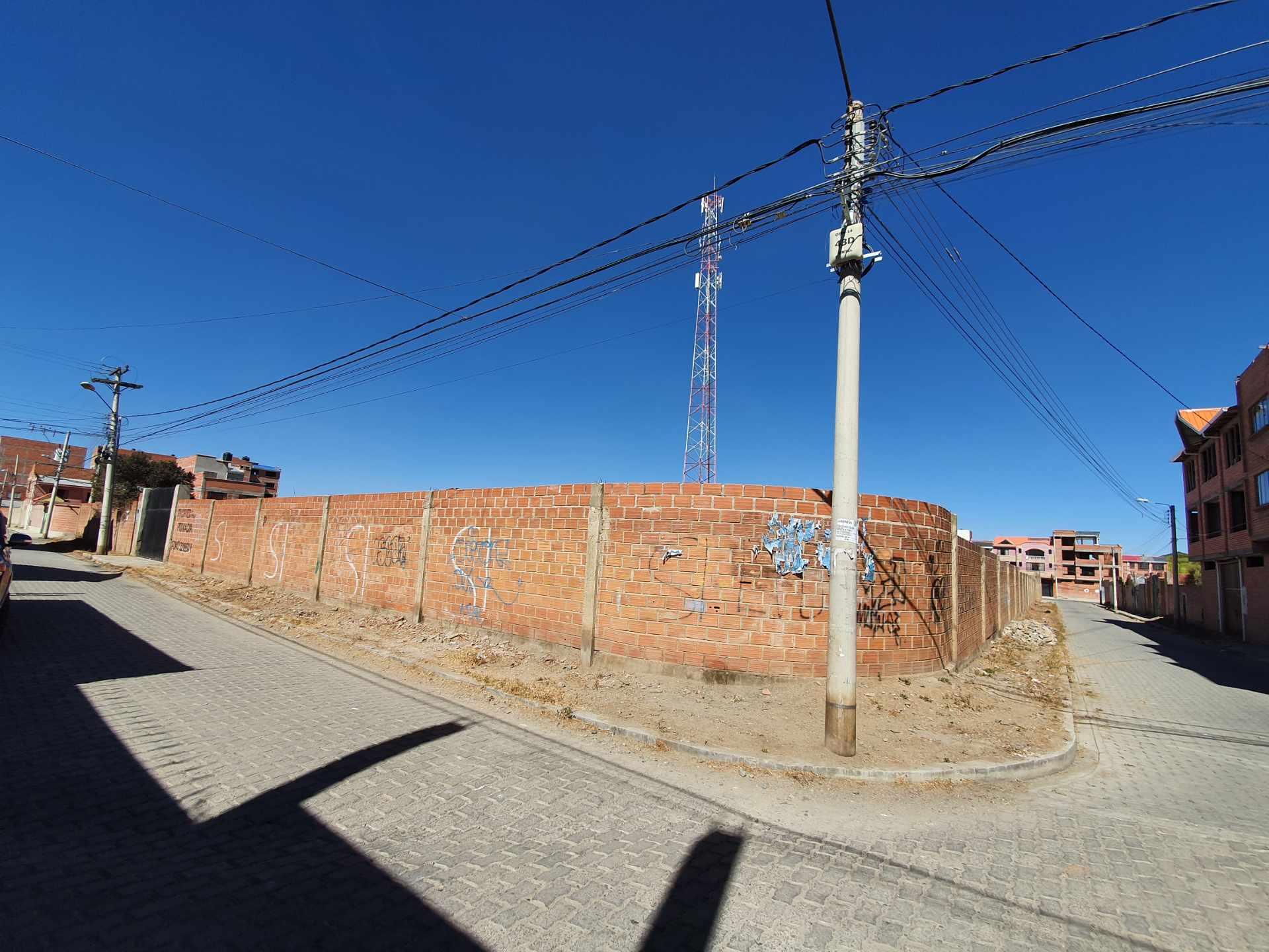 Terreno en Venta A 4 cuadras de Cruce a Villa Adela y a una de Avenida Bolivia  Foto 1