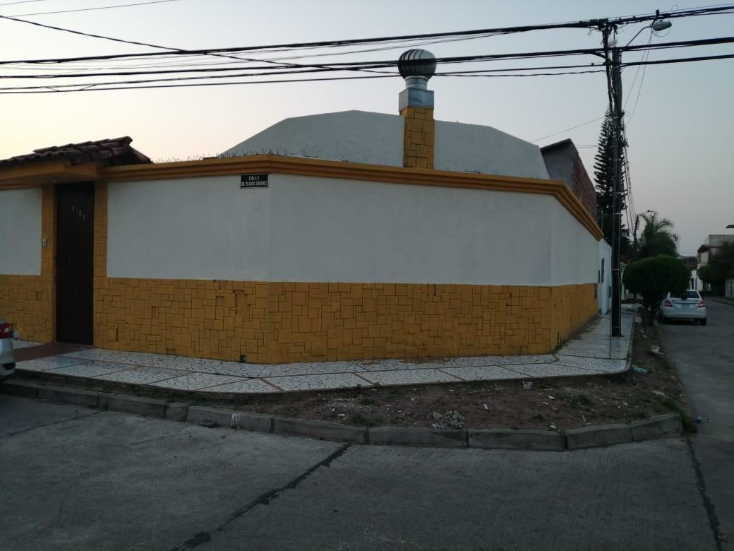 Casa en Venta AV. PIRAI 3ER ANILLO EXTERNO  Foto 1