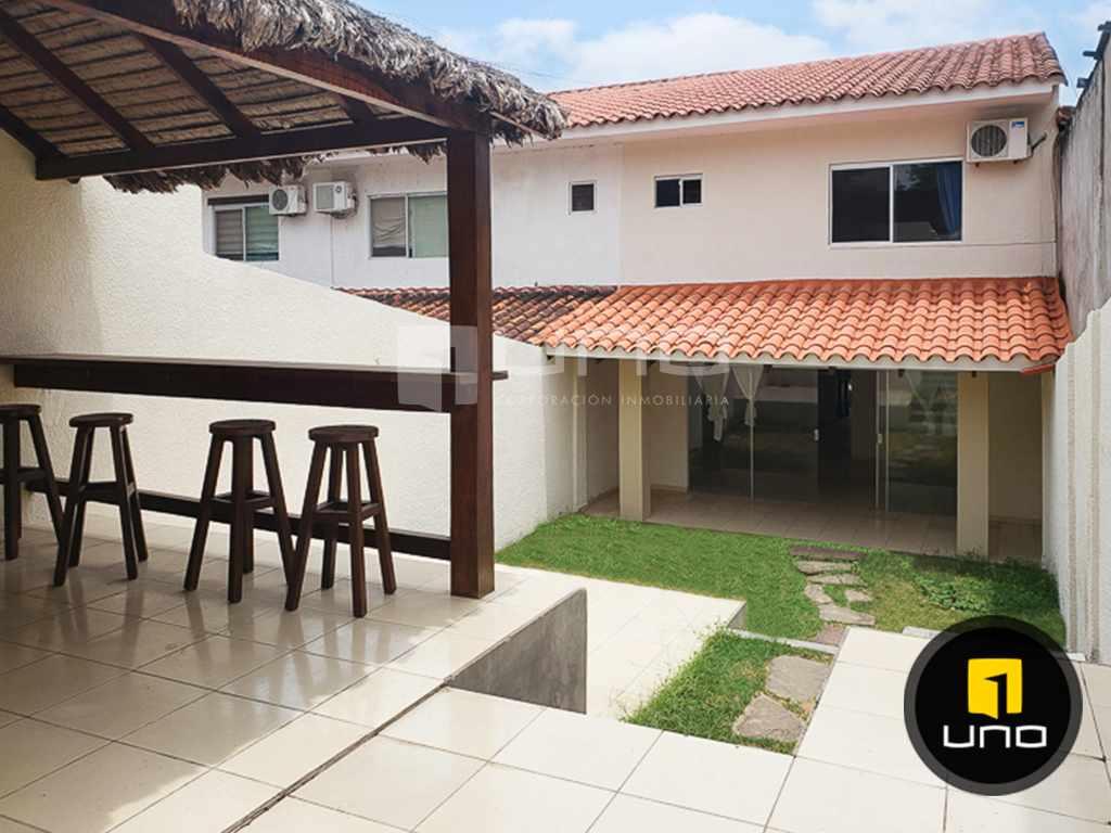 Casa en Alquiler CÓMODA Y ACOGEDORA CASA INDEPENDIENTE DE 2 PLANTAS ZONA NORTE (AV. BANZER) ENTRE 7MO Y 8VO ANILLO Foto 16
