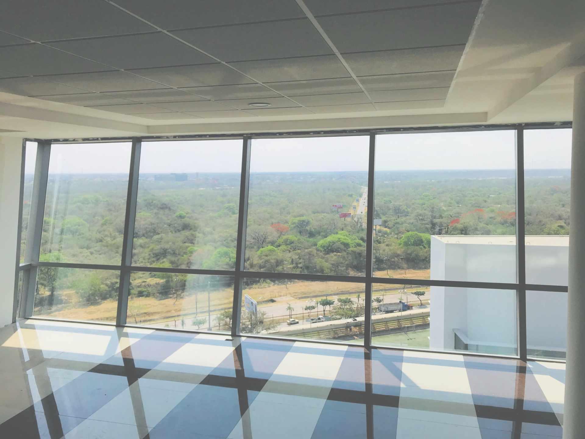 Oficina en Venta Torre de Negocios ALAS. Equipetrol Norte zona Empresarial, Av. San Martín entre 3er y 4to anillo.  Foto 1