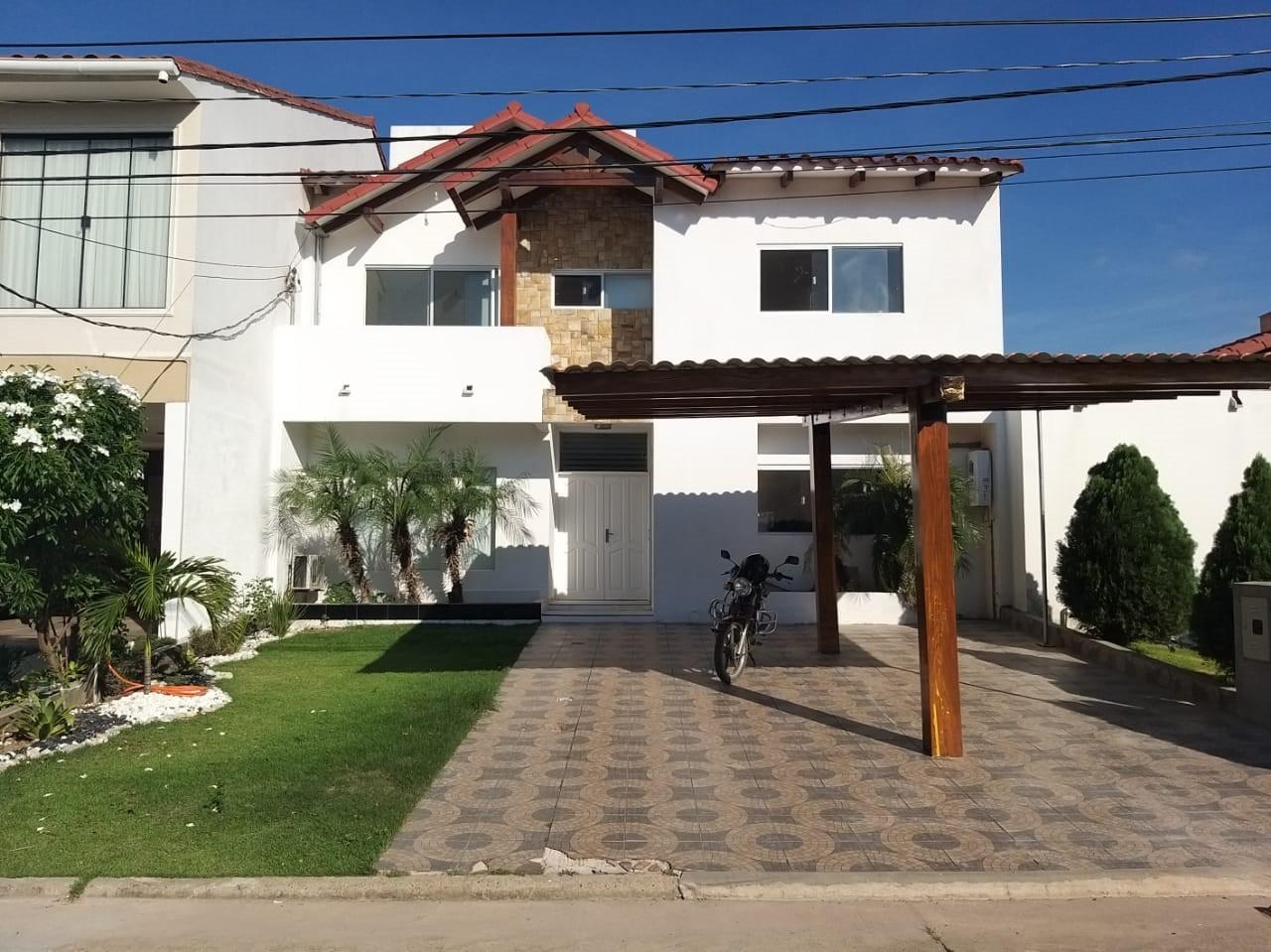Casa en Alquiler Zona Norte Avenida Banzer Km 10 Foto 1
