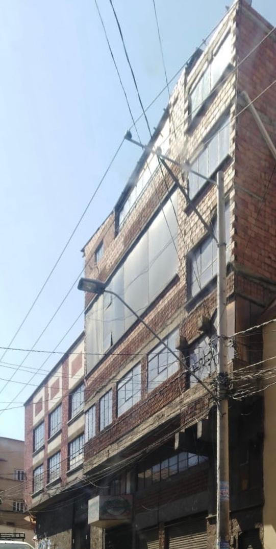 Edificio en Venta Entre la Avenida Peru e Independencia  Foto 1