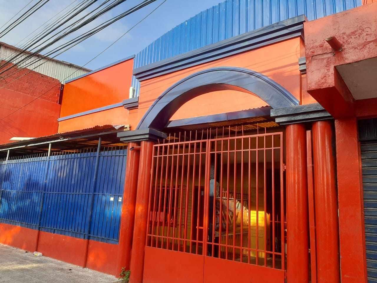 Local comercial en Venta 1ER ANILLO OMAR CHAVEZ DIAGONAL A LA RAMADA  Foto 1