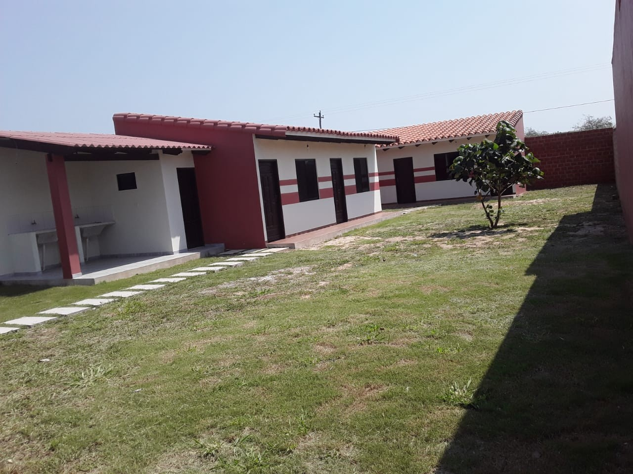 Casa en Venta URBANIZACION LOS PIYOS DOBLE VIA LA GUARDIA KM 9 Foto 1