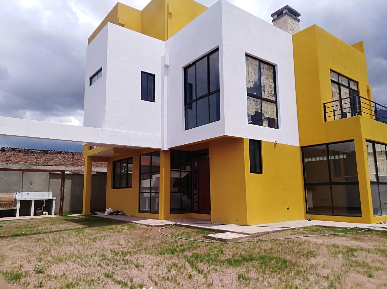 Casa en Venta C. Innominada esq. Av. Aguas Potables Foto 1