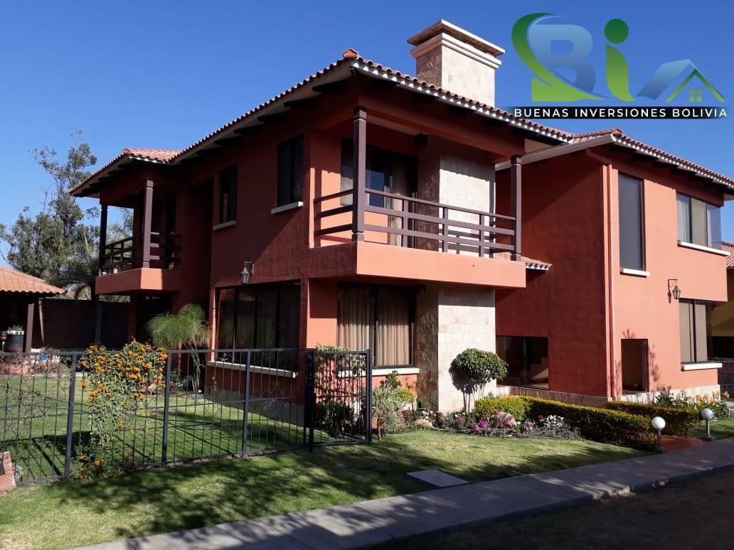 Casa en Alquiler $us.850 ALQUILER CASA 4 SUITES EN CONDOMINIO PROX. COL. TIQUIPAYA Foto 1