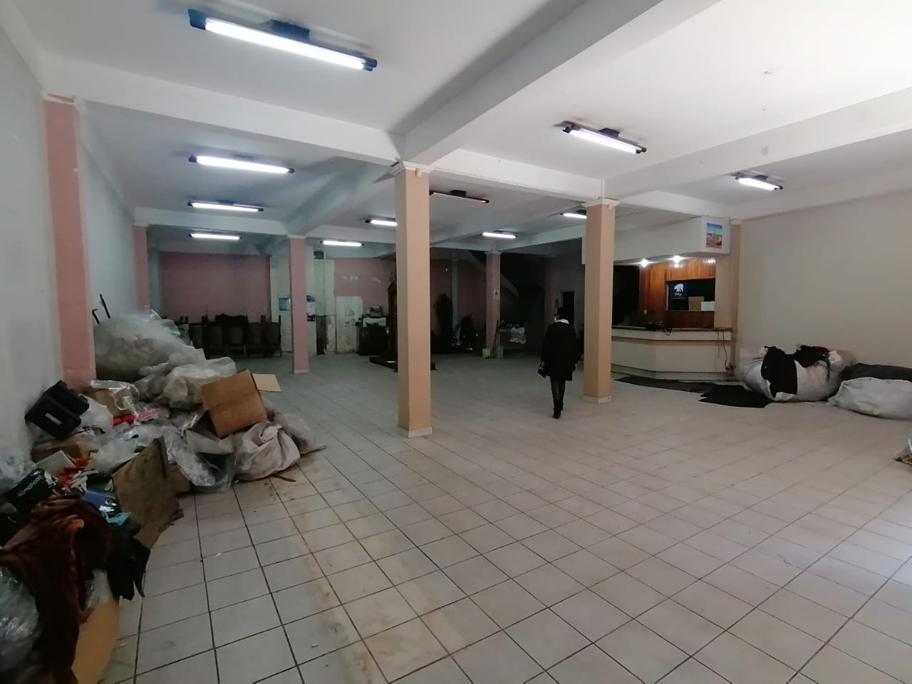 Local comercial en Venta Calle Illampu y Tarija Foto 1