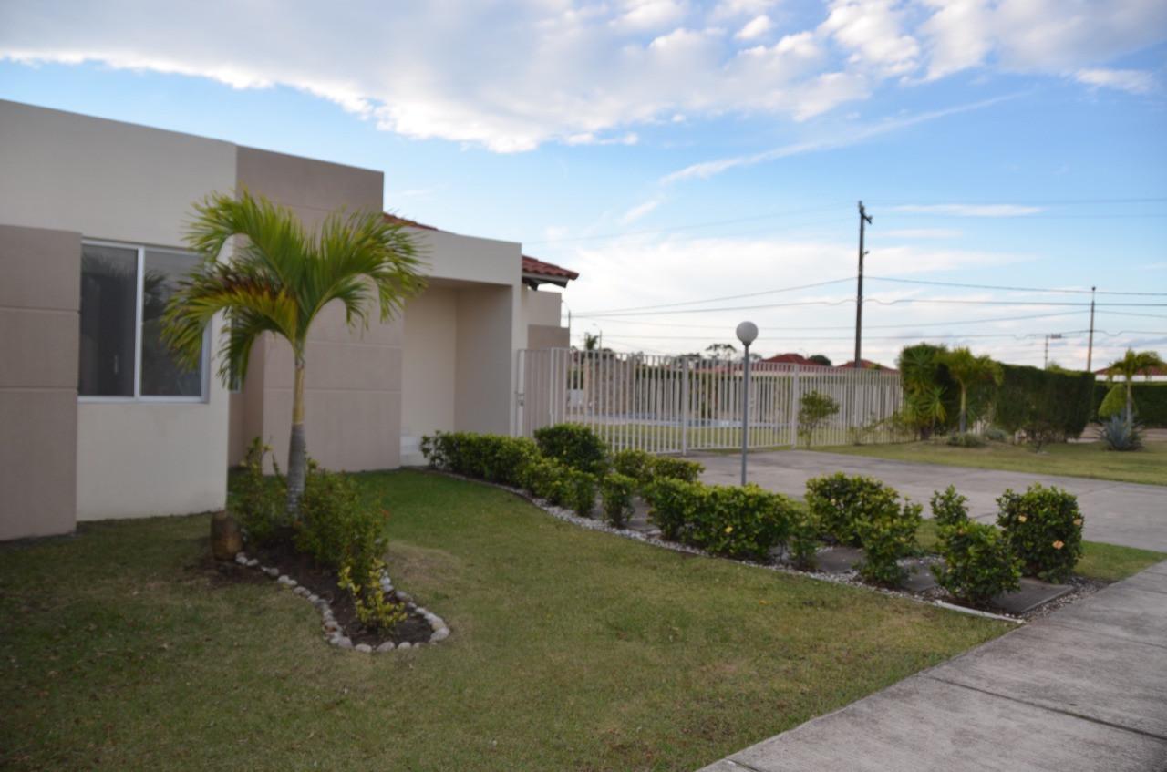 Casa en Alquiler Urubo  Foto 1