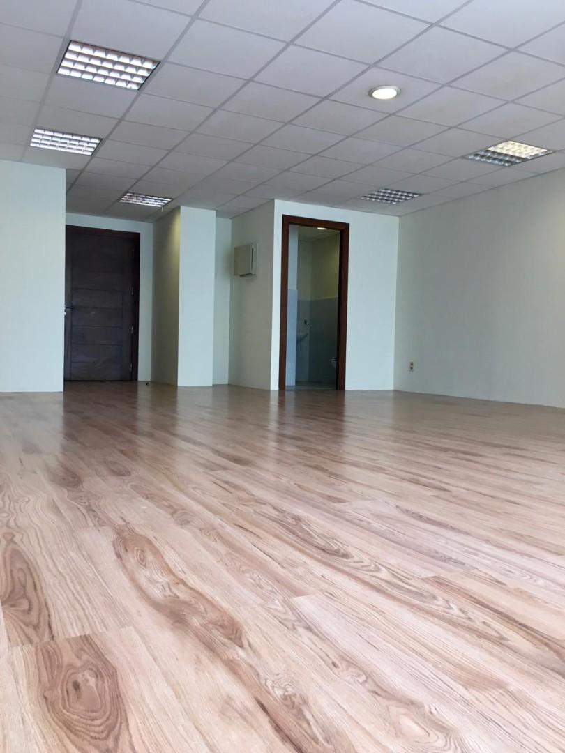 Oficina en Alquiler Av. Arce Edificio Multicine Foto 1